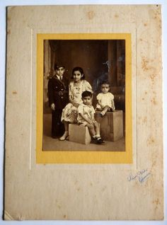 India 1950s Vintage Photo Four Children's mounted on cardbord #p21