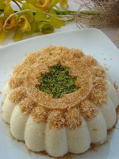kadayıflı irmik tatlısı- Semolina Flour Dessert with Shredded Phyllo