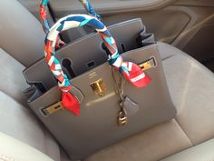 See related links to what you are looking for. Hermes Bags, Hermes Handbags, Hermes Birkin, Purses And Handbags, Fashion Bags, Fashion Fashion, Runway Fashion, Fashion Trends, Celine Bag