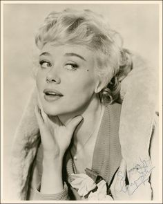 Glynis Johns ~ Send In The Clowns