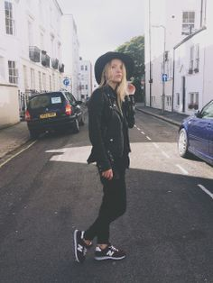New Balance Burgundy Trainers Girl outfit leather jacket floppy hat wool black skinny trousers New Balance Outfit, New Balance Sneakers, Girls Sneakers, Sneakers Fashion, Soft Grunge, Passion For Fashion, Love Fashion, Fashion Guide, Ladies Fashion