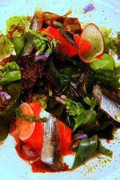 insalata di alghe e alici marinate