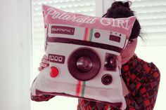 Jedes Foto kann großartig auf einem Fotokissen aussehen - ein Foto der Lieblingskamera ganz besonders toll! Gestalte dein Kissen mit Fotos auf http://www.originellefotogeschenke.de/produkte/fotokissen.aspx