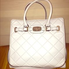 MICHAEL KORS HAMILTON QUILTED TOTE! USED ONLY ONCE Vanilla quilted tote. Used only once. Genuine leather. Comes with original tags. **price drop, willing to negotiate** bag is originally $378 plus tax! MICHAEL Michael Kors Bags Totes