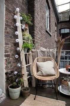 Süße Idee für den Balkon l Leiter aus Holz für Pflanzen