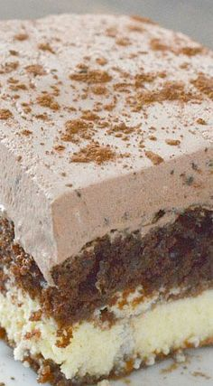 The most amazing Chocolate Italian cake recipe with a chocolatey whipped frosting and cream cheese layer! This recipe is sure to be a family favorite! 13 Desserts, Chocolate Desserts, Chocolate Cake, Chocolate Chips, Easy Italian Desserts, Italian Foods, Chocolate Pudding, Mint Chocolate, Plated Desserts