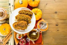 Land o' Lakes really outdid their seasonal varieties when they introduced Pumpkin Pie Spice butter spread, and I bet you'll eat it straight from the spoon. Butter Spread, Cooking Recipes, Healthy Recipes, Healthy Food, Ree Drummond, Pumpkin Pie Spice, Ale, Toast, Spices