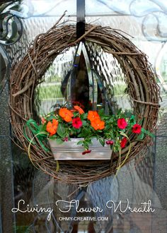 Create your own Living Flower Wreath | OHMY-CREATIVE.COM