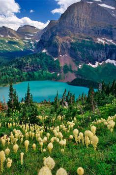 Grinnell Lake is a gorgeous glacier-fed lake in Montana.