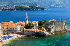 Let yourself enjoy the beauty of Montenegro on a full-day trip from Dubrovnik stopping on several significant sites of the country with Tourboks!