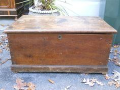 ANTIQUE TRUNK tool quilt CHEST wood blanket BOX table PRIMITIVE nautical 1700's