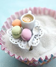 french macarons and tea ring