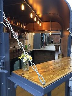 Horsebox bar Gray Things gray color of hair Catering Van, Catering Trailer, Food Trailer, Horse Box Conversion, Van Conversion To Food Truck, Hy Citroen, Converted Horse Trailer, Pizza Food Truck, Coffee Bar Wedding