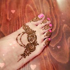 Modern Henna Designs, Floral Henna Designs, Finger Henna Designs, Latest Bridal Mehndi Designs, Legs Mehndi Design, Mehndi Designs For Girls, Mehndi Design Photos, Mehndi Designs For Fingers, Beautiful Henna Designs
