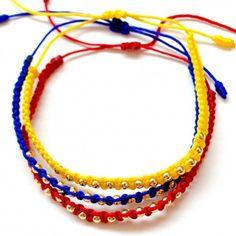 Accesorios para mujer - Pulseras para mujer colombianas de moda elaboradas a mano con hilos en tejido macrame y balines de artesanias de Colombia.