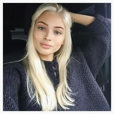 dark makeup – Hair and beauty tips, tricks and tutorials Hair Inspo, Hair Inspiration, Blonde Beauty, Hair Beauty, Dark Eyebrows, Alena Shishkova, Belle Silhouette, Colored Curly Hair, Makeup For Blondes