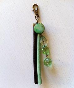 Groen met zwarte sleutelhanger bij Ekster Jewels te koop