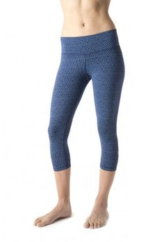 NOLA Crop Hex Print - Women's cropped yoga pants for workouts in navy and surf's up blue.