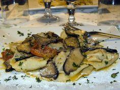 Cappellacci alla Confettura di Cotogne e Caciocavallo -  http://cucinasuditalia.blogspot.it/2011/11/cappellacci-alla-cotognata.html