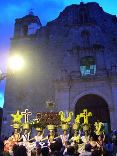 Oaxaca Friday-night religious celebration