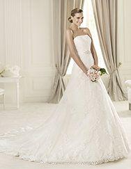 Pronovias > Pronovias vous présente la robe de mariée Dango. Costura 2014.