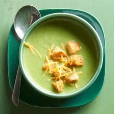 Cream of Broccoli Soup Recipes Cream Soup Recipes, Broccoli Soup Recipes, Cream Of Broccoli Soup, Creamy Vegetable Soups, Diet Recipes, Healthy Recipes, Creamed Mushrooms, Soups And Stews, Soul Food