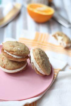 Carrot Whoopie Pies with Orange Cream Cheese Filling   Porkkana-Whoopiet appelsiinituorejuustotäytteellä
