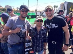 Luke Bryan, (shortie!) Justin Moore <3, Chase Rice <3 at the ACM/Cabelas 2014 Archery Event where Team Justin took home the trophy with a win of 280 pts over Team Luke
