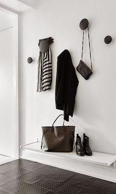MUUTO - Set of 5 Hooks Dots black -hallway style Hallway Inspiration, Interior Inspiration, Ideas Mancave, Turbulence Deco, Entry Hallway, Hallway Bench, Black Hallway, Interior Decorating, Interior Design