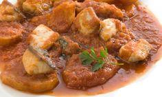 Receta de lomos de verdel o caballa, guisados a la sidra con patatas, manzana y tomate.