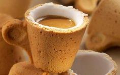 Vivere senza rifiuti: finito il caffé mi mangio la tazzina!