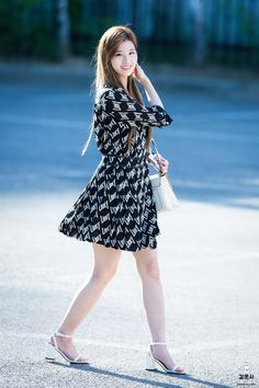 Kpop Fashion, Asian Fashion, Girl Fashion, Kpop Outfits, Skirt Outfits, Kpop Girl Groups, Kpop Girls, Asian Woman, Asian Girl