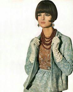"LADYM on Instagram: ""Irving Penn, 1965.  #fashionphotography #irvingpenn #1960s #vogue #vintagestyle  #instavintage #classy #condenast #elegance #vintagemodel…"""