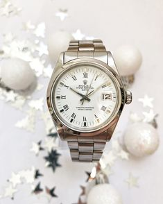 It's the perfect gift for under the Christmas tree: this vintage Rolex Oyster Perpetual Date from1970. (34 mm) #watch #rolex #rolexwatches   rolex watches for women   rolex horloge voor dames   rolex horloge voor vrouwen   vintage watches   vintage horloges   horloges dames   SpiegelgrachtJuweliers.com