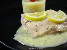 sauce poisson results - ImageSearch Sauce Creme Citron, Sauce Restaurant, Cookie Bowls, Basic Kitchen, Clay Food, French Food, Mayonnaise, Pesto, Mousse