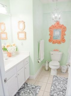 Bathroom mint an coral