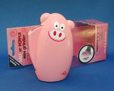 Salt and Pepper piggy grinder Pig Kitchen, Stuffed Mini Peppers, Pig Stuff, Pigs, Funny Things, Salt, Animal, Future, Collection