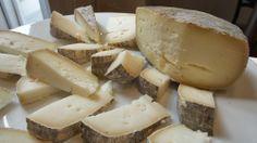 Cata de quesos en la Unión Española de Catadores (UEC). Imagen Nuria Blanco @nuriblan, @UCMgastro #UCMgastro #UEC (22.03.2014)