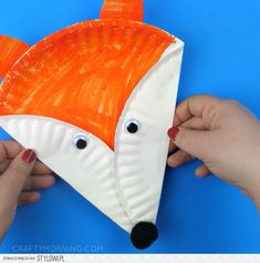 Easy Fox Crafts for Kids – Red Ted Art Easy Fox Crafts for Kids. Love all things Fox? DIY Fox Ideas for Preschool, Kids and Adults. From Paper Fox Crafts to Crochet Fox Patterns. Paper Plate Art, Paper Plate Animals, Paper Plate Crafts For Kids, Paper Plates, Paper Crafts, Diy Paper, Toddler Art, Toddler Crafts, Kids Crafts