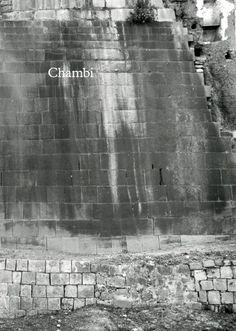 Título: Chambi. Editores: Natalia Majluf y Edward Ranney. Editorial: Museo de Arte de Lima - MALI. Año: 2015. Medidas: 34.6 x 24.5 cm. Páginas: 404. Precio: 199.00 soles. Más información: http://www.mali.pe/tienda.php?it=2&cl=a