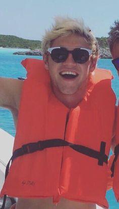 looks like niall is enjoying the break <3