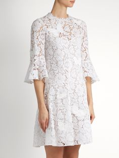 Fluted-sleeve lace dress | Valentino | MATCHESFASHION.COM Best Formal Dresses, Cute Dresses For Teens, Trendy Dresses, Casual Dresses, Long Dress Fashion, Look Fashion, Dress Brokat, African Lace Dresses, Summer Dress Outfits