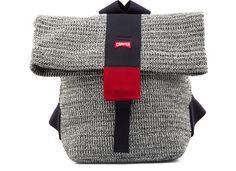 Camper presenta una nueva y singular colecci�n de bolsos dise�ados por Dai Fujiwara. Su nombre es �Mori� �que significa bosque en el idioma japon�s� y su principal caracter�stica es que est�n confeccionados con un tejido de punto a base de papel desarrollado expresamente para esta colecci�n.