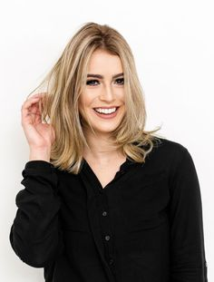 Blogueira Mariana Saad fala sobre cuidados com os cabelos loiros após transformação com Cor&Ton: 'Nutrição Poderosa' Hair Inspo, Hair Inspiration, Summer Hairstyles, Cool Hairstyles, Haircuts For Medium Length Hair, Haircut And Color, New Haircuts, How To Make Hair, Hair Goals