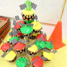 Stoplight cupcakes for racing themed party.