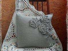 Льняные наволочки с декоративными цветами | Ярмарка Мастеров - ручная работа, handmade