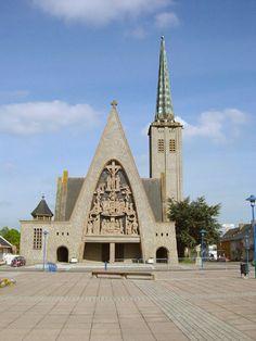 L'église Saint-Martin (1952-1957) Donges, œuvre de l'architecte Jean Dorian