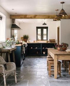 Rustic Kitchen Ideas - Rustic kitchen cupboard is a stunning combination of nation home and also farmhouse decor. Surf 30 ideas of rustic kitchen design here Interior Design Kitchen, Farmhouse Style Kitchen Decor, Kitchen Flooring, Kitchen Styling, Devol Kitchens, Kitchen Design, Country Kitchen Designs, Home Decor, Rustic Kitchen