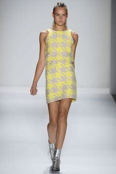 See the entire collection from the Timo Weiland Spring 2013 Ready-to-Wear runway show. Ny Fashion Week, Runway Fashion, Fashion Show, Fashion Design, Fashion Trends, Nyc Fashion, Timo Weiland, Spring Dresses, Costume Design