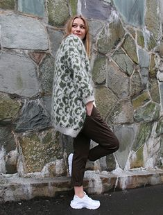 Ravelry: Leopard coat / Leopardjakke pattern by Anna & Heidi Pickles Crochet Patron, Leopard Jacket, Leopard Pattern, Pickles, Knitting Patterns, Ravelry, Sewing, Clothes, Color